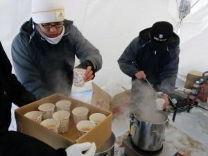 モエレ山そり大会で味噌汁配布してきました。